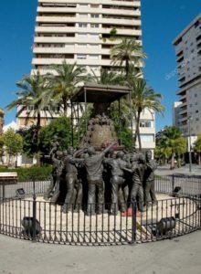 depositphotos_50645919-stock-photo-virgen-del-rocio-monument-huelva